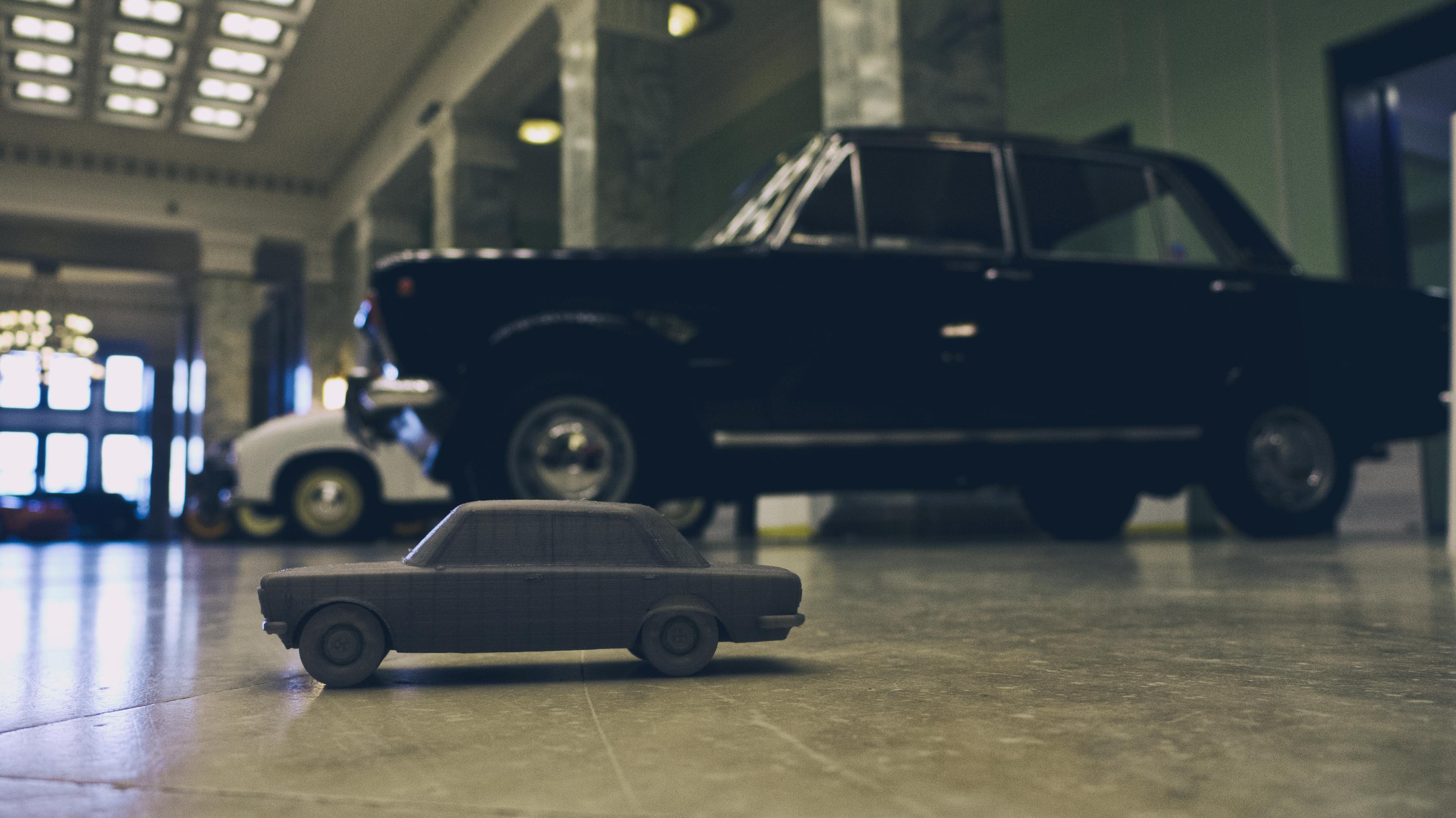 wydrukowany w 3d przez sygnis new technologies zabytkowy samochód na wysatwie narodowego muzeum techniki - perły motoryzacji