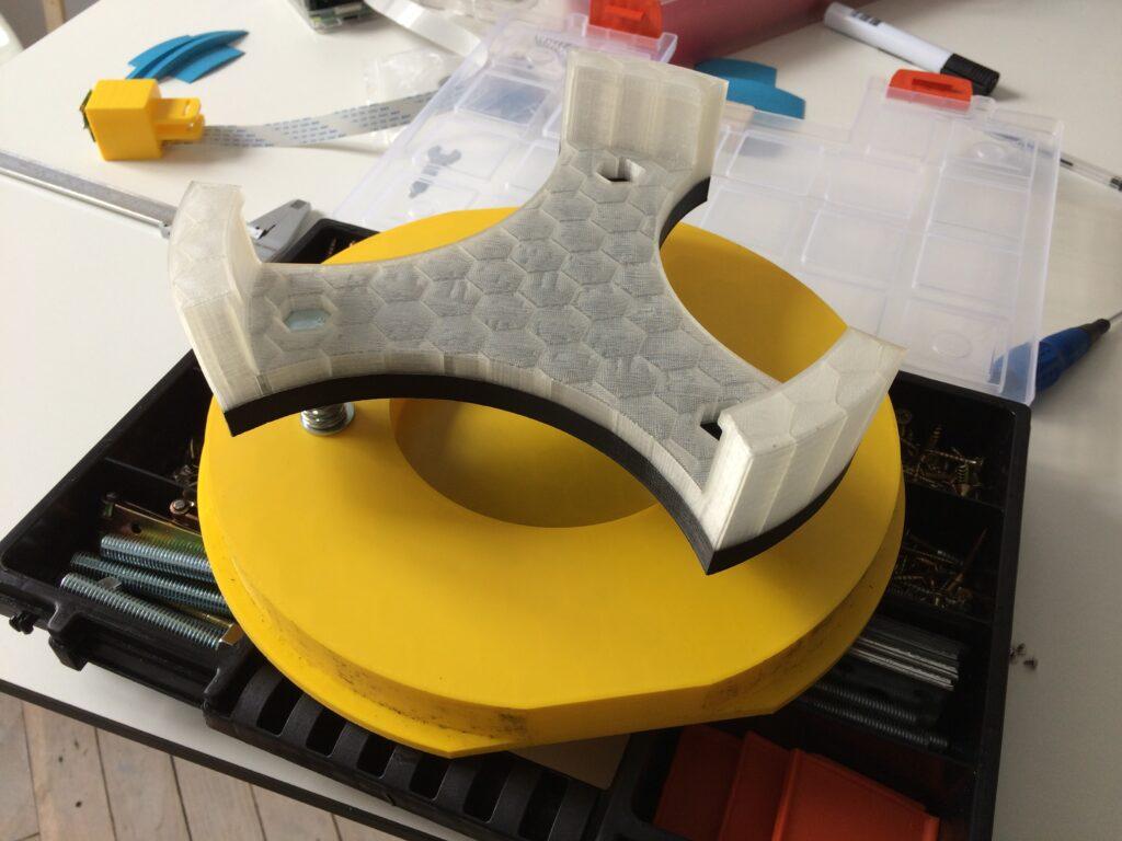 Dopasowanie elementów teleskopu wydrukowanych za pomocą technologii 3D