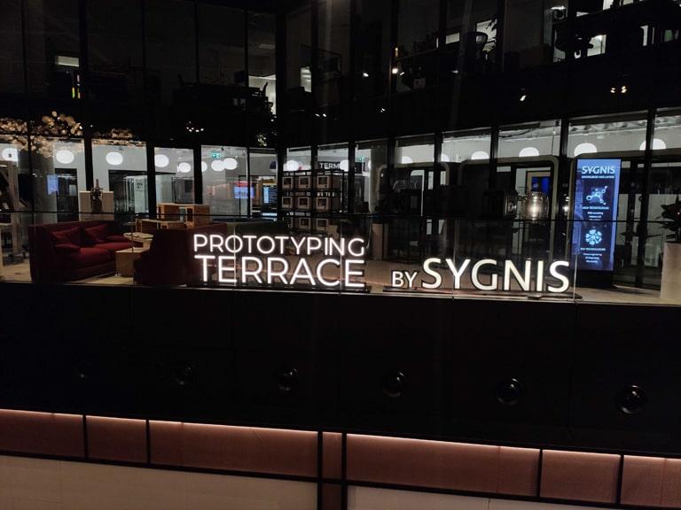 Zdjęcie tarasu prototypowania by Sygnis, mieszczącego się w CIC Warsaw
